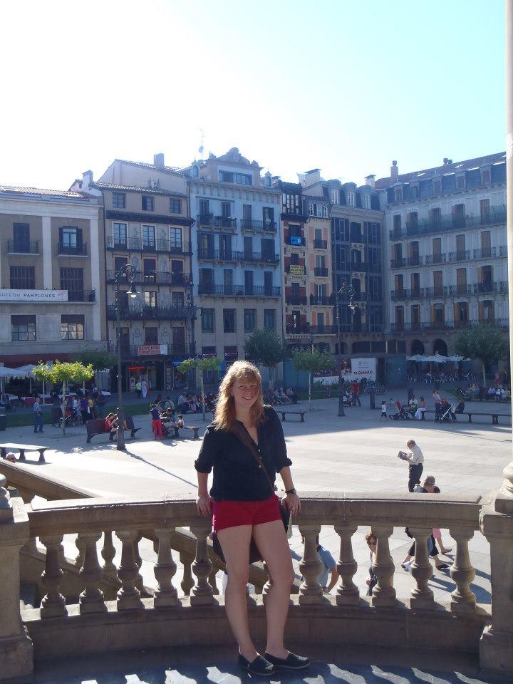 A photo of The Chemistress in the Plaza del Castillo.