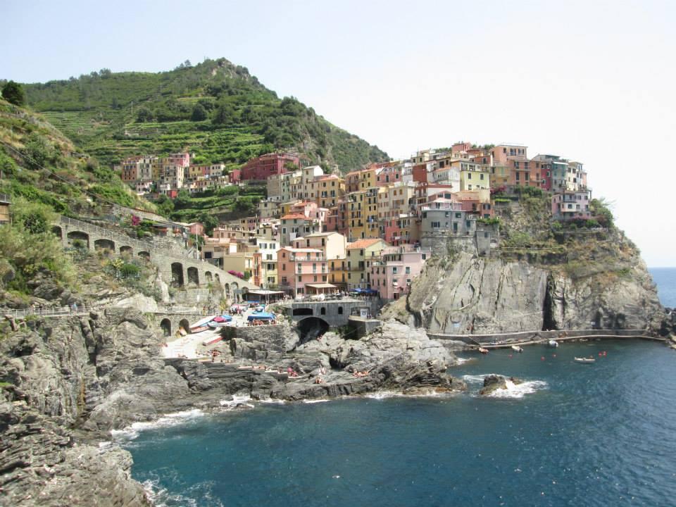 A view of the Manaroa harbor in Cinque Terre, Italy.